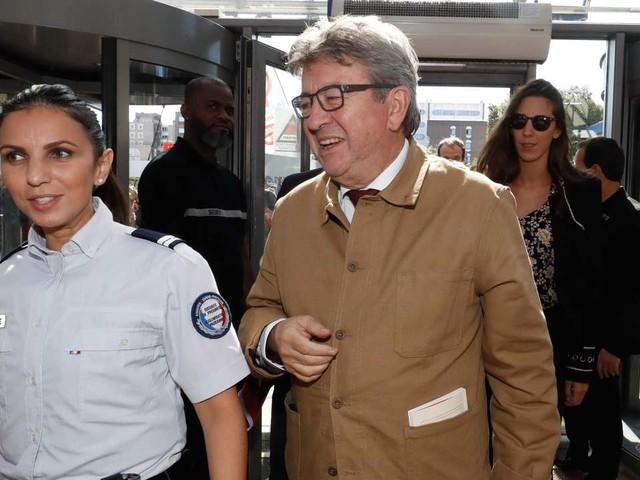 Mélenchon qualifie les policiers de «barbares», Castaner dénonce une «insulte inacceptable»