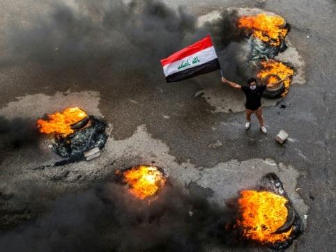 """""""Voilà mon sacrifice"""": en Irak, des milliers de manifestants mutilés"""