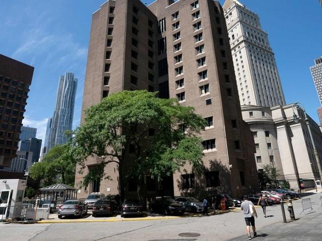 Affaire Epstein : le directeur de la prison muté, deux employés suspendus