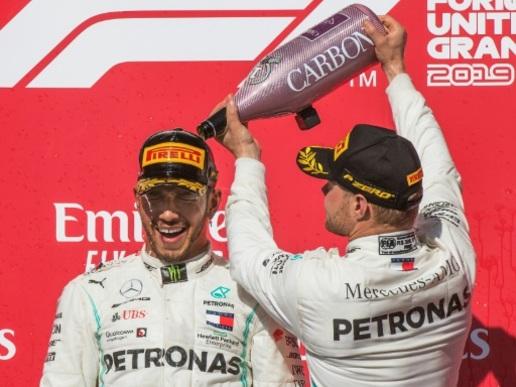 """F1: """"Cela a été une année difficile"""", souligne Hamilton"""