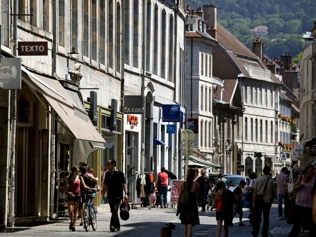 Reconfinement : les maires se mobilisent pour que les petits commerçants restent ouverts