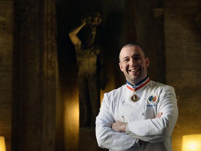 Le chef Guillaume Gomez quitte les cuisines de l'Elysée avec beaucoup d'émotion