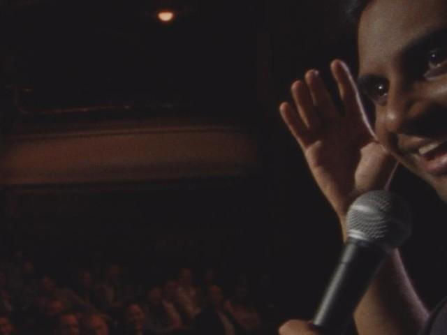 """Avec """"Right Now"""", Aziz Ansari affronte les accusations d'inconduite sexuelle et s'en sort haut la main"""