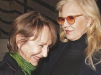 Sylvie Vartan se livre sur ses relations très fortes avec Nathalie Baye