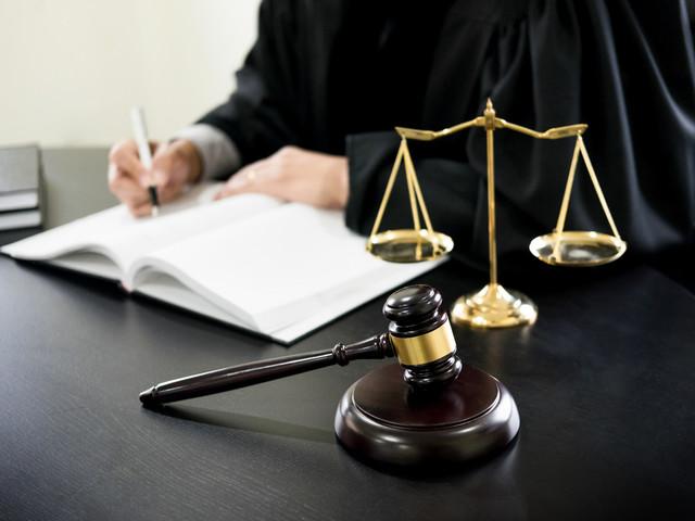 Ismaïl Emelien, du conseiller à l'avocat