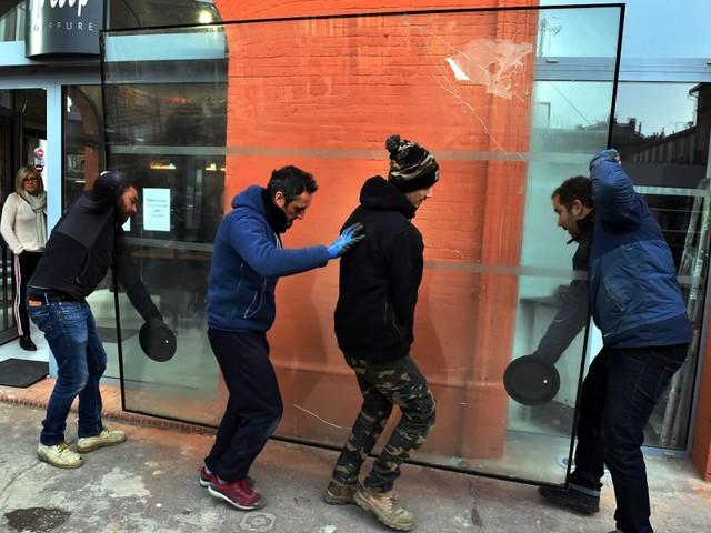 Toulouse. A Toulouse, après la casse lors des manifestations de Gilets jaunes, les vitriers sont sur le pont