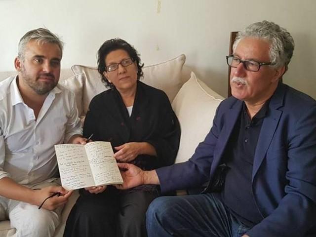 """Le député de la France Insoumise Alexis Corbière rend visite à Radhia Nasraoui et demande """"des réponses claires"""" aux autorités"""