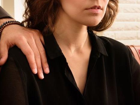 La fille d'Éric Besson accuse un ancien ministre d'agression sexuelle