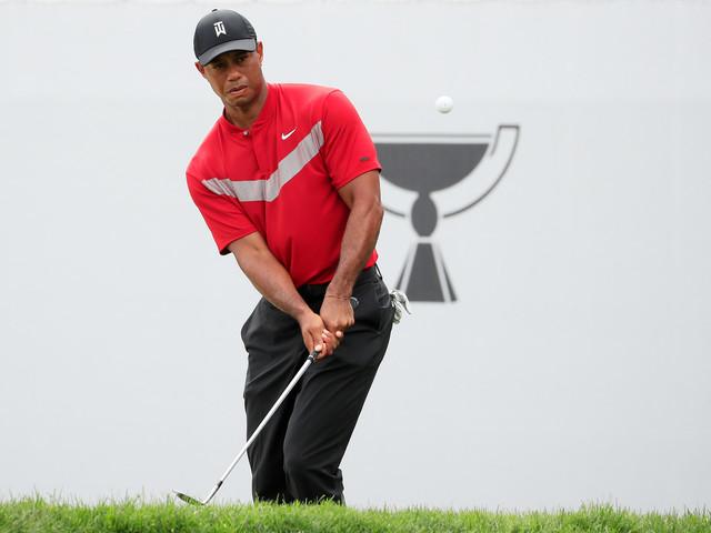 """Golf: Tiger Woods rédige ses mémoires, intitulées """"Back"""", pour rétablir sa vérité"""