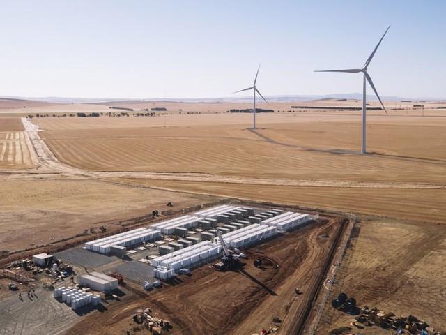 Neoen, le Petit Poucet français des énergies vertes, s'étend avec Tesla en Australie