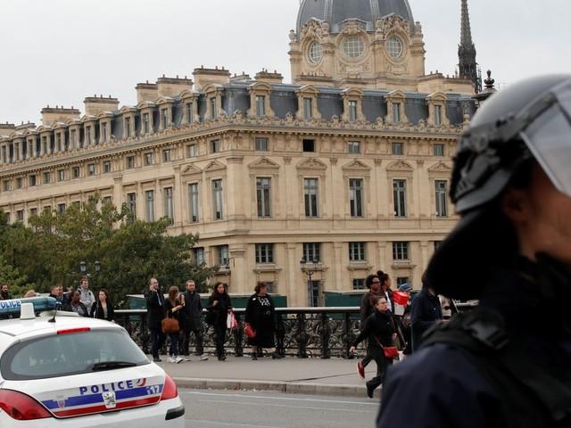 Attaque à la préfecture de Paris: l'assaillant avait entendu des voix et eu des visions