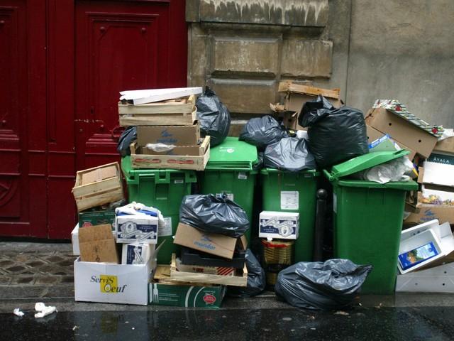 Déchets : et si nos poubelles étaient taxées au poids ?