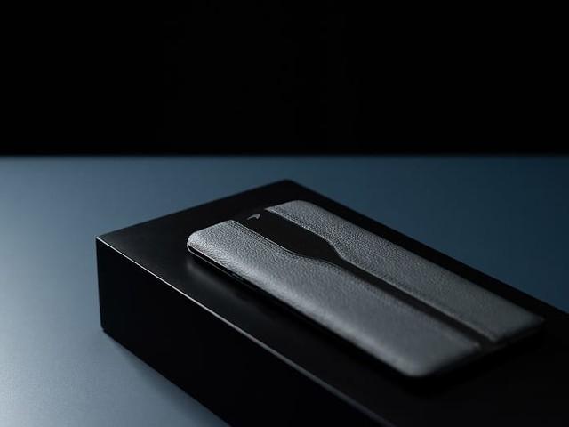 OnePlus dévoile une version noire du Concept One, et c'est la classe !