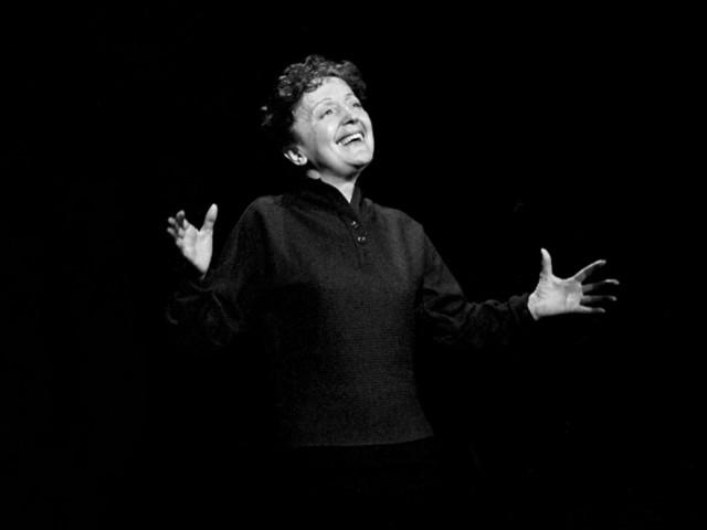 Édith Piaf cartonne aux États-Unis grâce à la série « Emily In Paris »