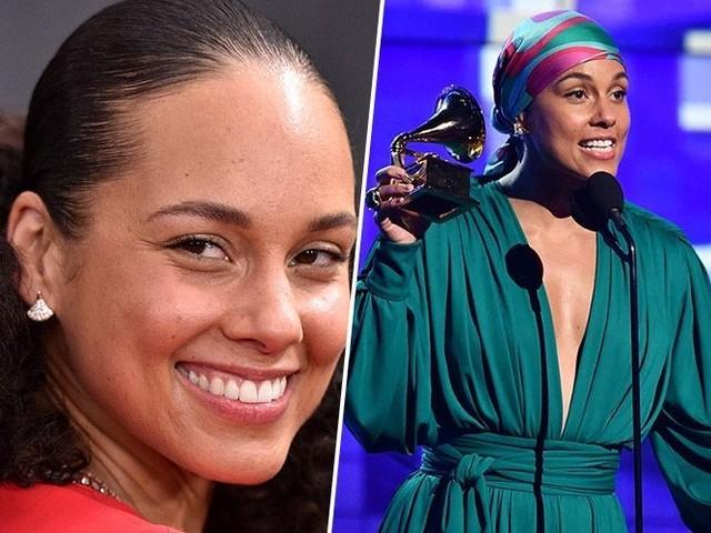 Même pour présenter les Grammy Awards, Alicia Keys ne portait pas de maquillage
