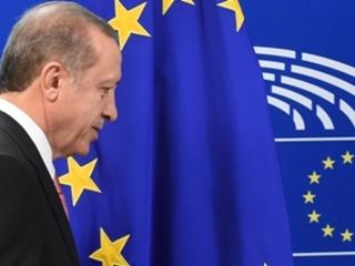 L'Europe coupe la vanne financière à la Turquie