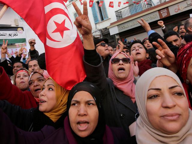 """Pour la COFACE, la Tunisie vit """"une transition démocratique à bout de souffle"""""""