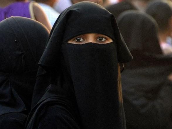 Des musulmanes ayant signé la tribune contre le voile victimes de menaces
