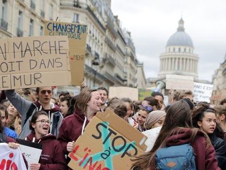 Plus de 130 scientifiques soutiennent la grève des jeunes pour le climat