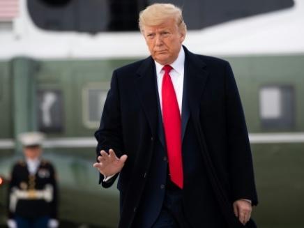 """Procès en destitution: Trump s'est pris """"pour un roi"""", plaide l'accusation"""