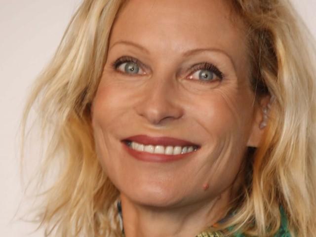 Rebecca Hampton : Émue, elle évoque ses premiers pas dans Plus belle la vie