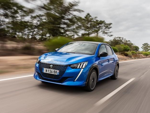 Ventes de voitures en Europe: Peugeot souffre, Volkswagen loin devant, Toyota cartonne