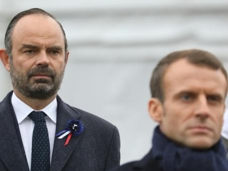 """""""Gilets jaunes"""": Macron et Philippe en mission pour éviter un acte V"""