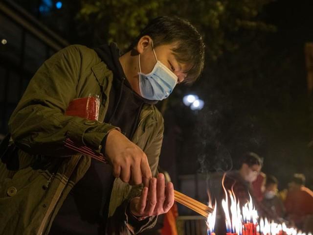Coronavirus: le bilan atteint 2.000 morts en Chine