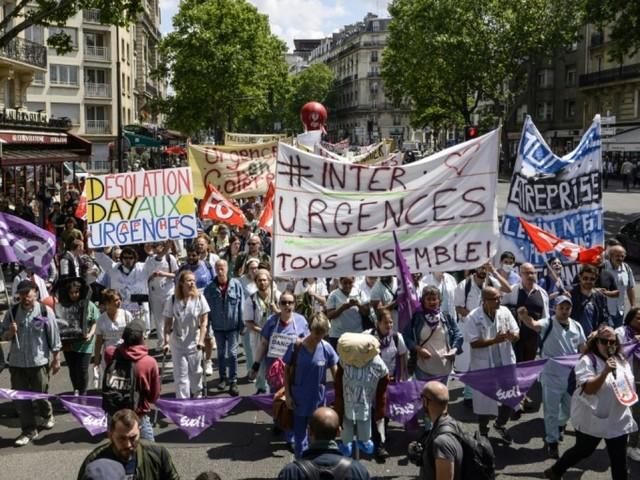 Urgences: les grévistes votent la poursuite du mouvement