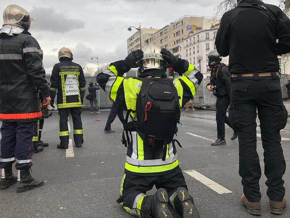 Malgré la pression policière, les pompiers obtiennent satisfaction