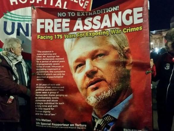 Des perspectives sombres pour Julian Assange? «L'image libérale de Boris Johnson n'est qu'un leurre»