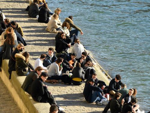 La majorité des Français saluent le déconfinement mais s'attendent à être reconfinés