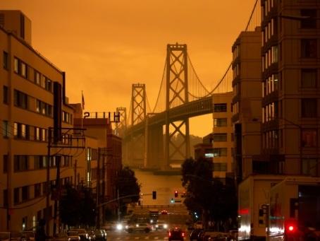 Les incendies ravagent la côte ouest américaine, six morts