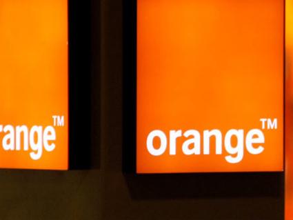 Orange lance son programme d'engagement social avec une campagne de communication mondiale créée par Publicis Conseil