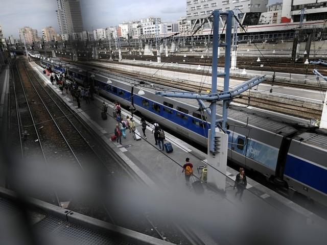Gare Montparnasse: l'origine de la panne est trouvée mais le trafic SNCF reste perturbé mardi