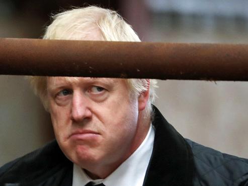 """Boris Johnson voulait un premier vote """"de principe"""" sur l'accord du Brexit ce lundi: refusé"""
