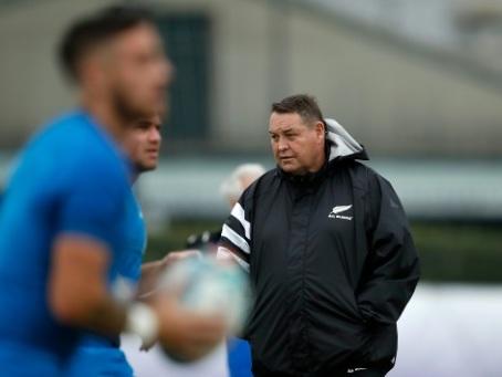 """Mondial de rugby: le sélectionneur des All Blacks rejette l'accusation d'""""espionnage"""" des Anglais"""