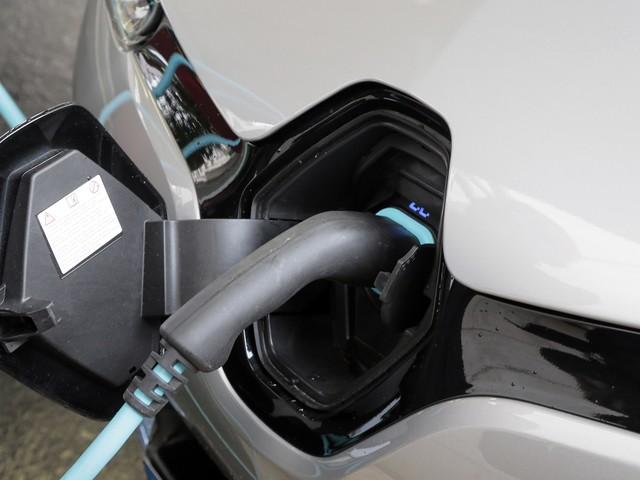 """Transports : la Commission européenne dit oui à """"l'Airbus des batteries"""""""