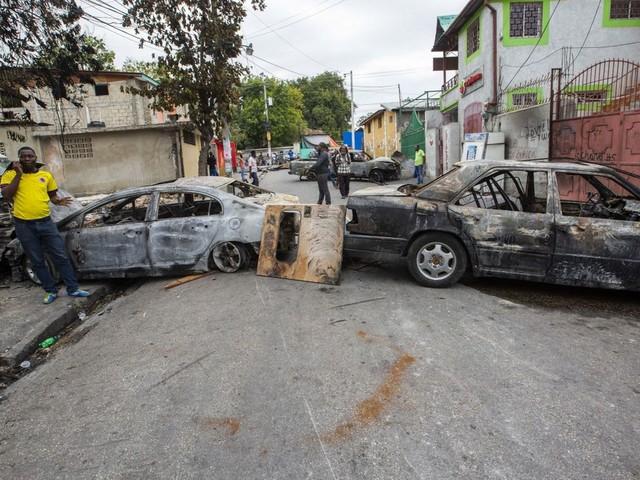 La capitale d'Haïti paralysée après des violences entre policiers et militaires