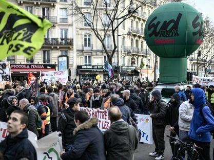 Réforme des retraites en France - La grève contre les retraites égale désormais celle de 1995