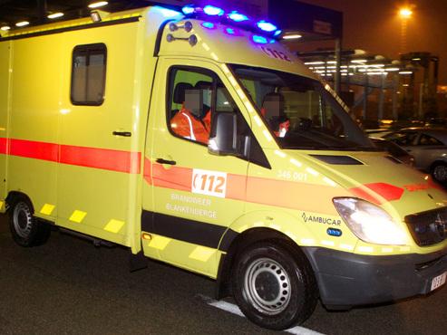 Un policier entre la vie et la mort: il a été percuté par une voiture lors d'une poursuite hier soir à Bruxelles