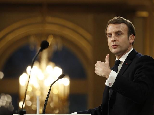 Vœux à la presse: Macron s'en prend (encore) aux réseaux sociaux