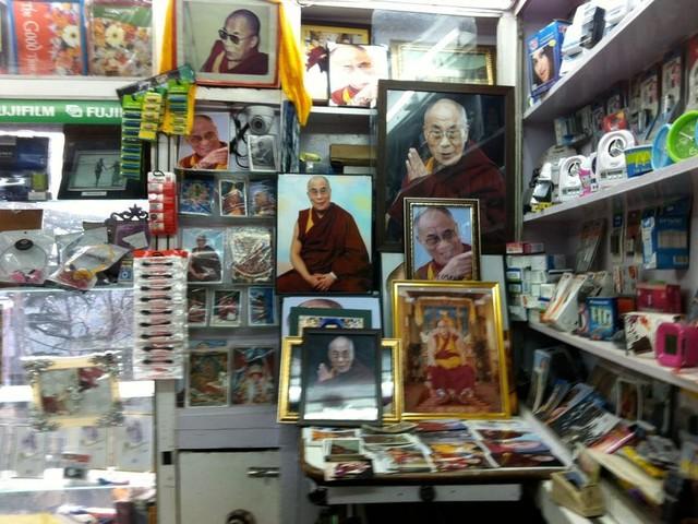 Grande traversée La longue marche du Dalaï-Lama (4/5) : 1989-2008 : l'icône médiatico-spirituelle