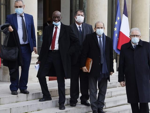 """La """"charte des principes"""" de l'islam, un engagement """"net clair et précis"""" pour Macron"""