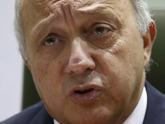L'ONG Sherpa veut que Laurent Fabius soit entendu par la justice, dans le cadre de l'enquête sur Lafarge en Syrie