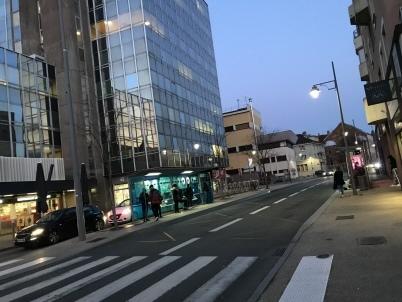 Agressé au couteau au centre-ville: un Dellois hospitalisé
