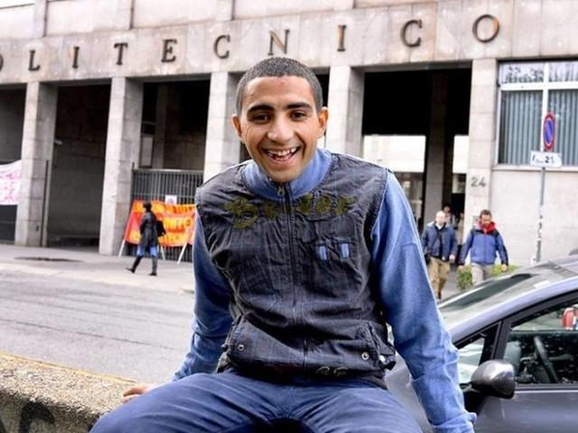 De vendeur ambulant à ingénieur diplômé en Italie, Rachid Abdelmoula revient sur son étonnant parcours