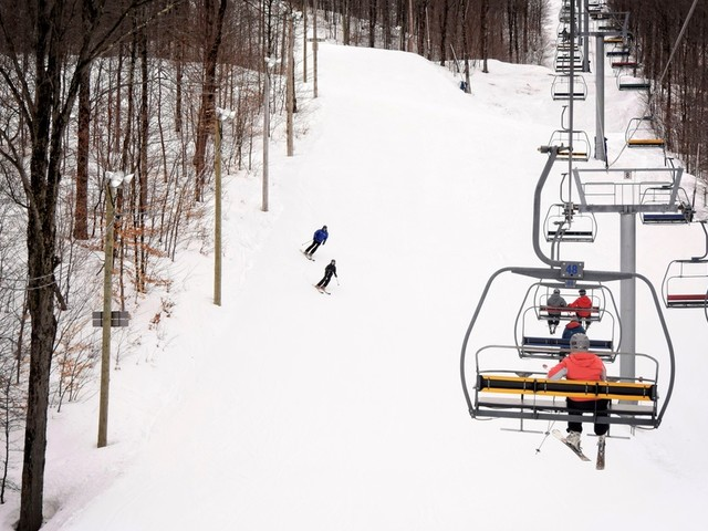 Une panne cause l'évacuation de plus de 200 skieurs à Bromont