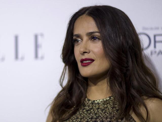 """""""Il était mon monstre"""", Salma Hayek accuse à son tour Harvey Weinstein et livre un témoignage glaçant"""