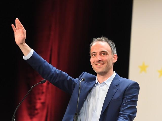 Européennes: les poids lourds de gauche à la rescousse de Glucksmann